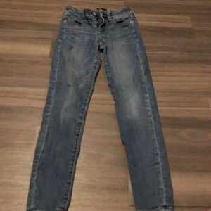 Light wash American eagle jeans